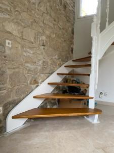 Photo de galerie - Escalier peint et vitrifié