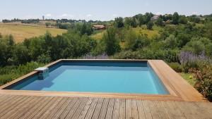 Photo de galerie - Fabrication et pose margelles piscine