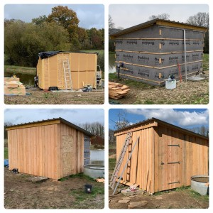 Photo de galerie - Réalisation d'une petite ossature bois isolé en laine de bois, pour mettre à l'abri une station de pompage et filtrage pour une ferme bio dans le perche